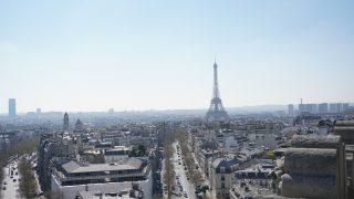 凱旋門から見えるエッフェル塔